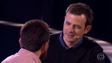 Delfino conta para Jorge que rasgou o contrato do 'The Wall'