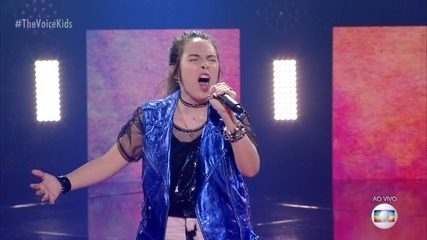 Polly Angel canta 'Confident'