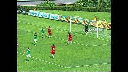 Internacional vence o Palmeiras com Alexandre Pato inspirado em 2006
