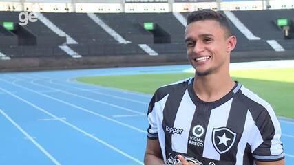 Jogadores do Botafogo elegem o feio, o mão de vaca e o reclamão no elenco da temporada