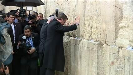 Bolsonaro visita o muro das lamentações, em Israel