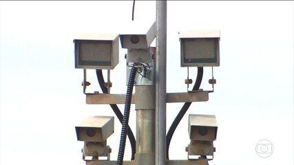 Governo suspende a instalação de milhares de radares nas estradas federais