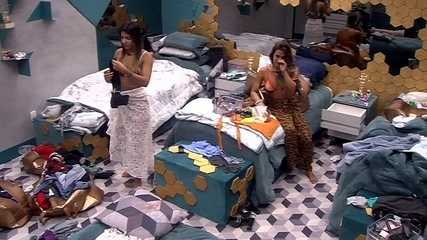 Carolina relembra momento da briga entre Paula e Hariany: 'Ela tava se acabando de chorar'