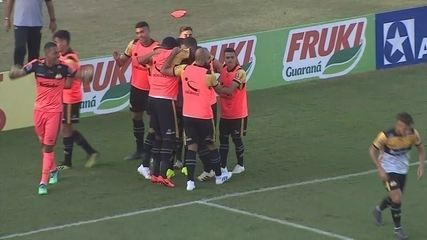 Gol do Criciúma! Léo Gamalho empata aos 5 minutos do segundo tempo