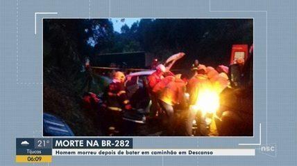 Homem morre após carro e caminhão colidirem na BR-282 no Oeste de SC