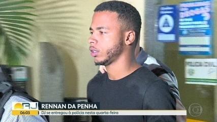 DJ Rennan da Penha passa a noite na cadeia depois de se entregar à polícia