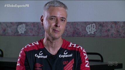 Tiago Nunes, o símbolo da arrancada do Athletico
