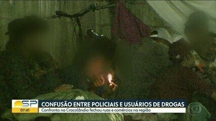 Usuários de droga entram em confronto com as forças policiais na região da cracolândia