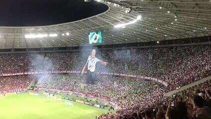 Mosaico para Ceni! Torcida do Fortaleza faz homenagem antes do jogo contra o São Paulo