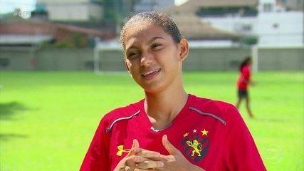 Gabi realiza sonho no futebol do Sport e é a mais nova a disputar jogo do Brasileirão