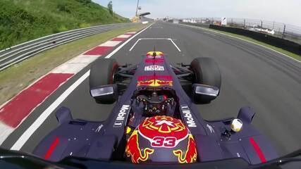 Uma volta por Zandvoort, sede do GP da Holanda, com Max Verstappen