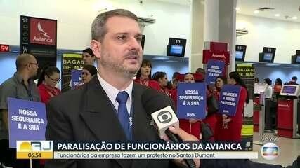 Funcionários da Avianca fazem paralisação e protestam no Santos Dumont