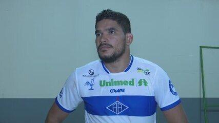 """Após novo empate em casa, Diego trata sequência fora como """"finais"""" para o Atlético-AC"""