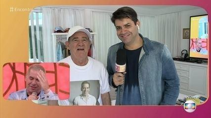Renato Aragão homenageia Leandro Hassum com 'Look do Didia'
