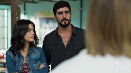 Laila desconfia da forma como Jamil olha para Dalila/Basma