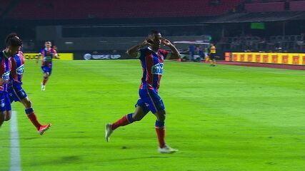 Veja o gol do Bahia, após falha da defesa do São Paulo