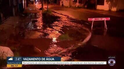 Rompimento de adutora interrompe abastecimento de água em bairros de Porto Alegre
