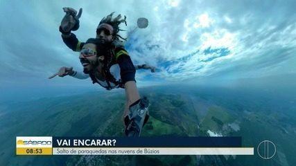 'Vai Encarar?': Gustavo Garcia salta de paraquedas nas nuvens de Búzios, no RJ