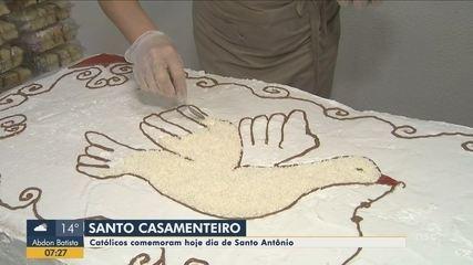 Católicos comemoram o Dia de Santo Antônio nesta quinta-feira (13)