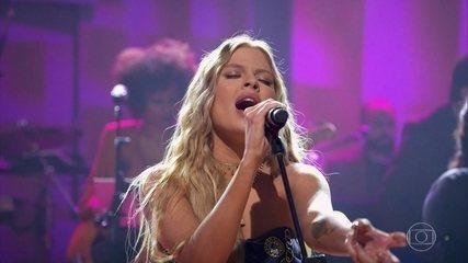Luísa Sonza canta pela primeira vez música em homenagem à mãe