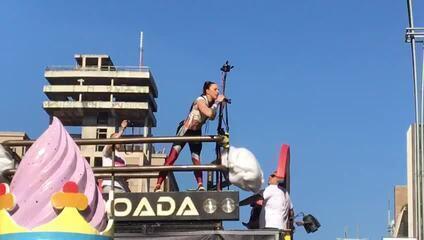 Mel C canta Wannabe das Spice Girls na Parada LGBT