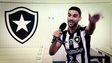Rodrigo Pimpão vence a disputa do Futeokê no Botafogo
