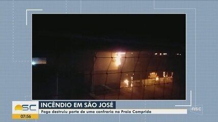 Incêndio destrói parte de confraria em São José