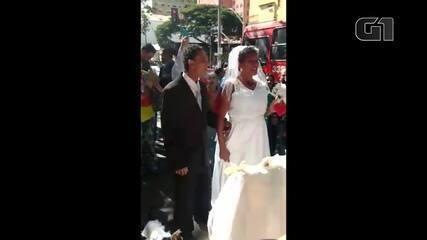 Moradores de rua se casam em avenida de Belo Horizonte