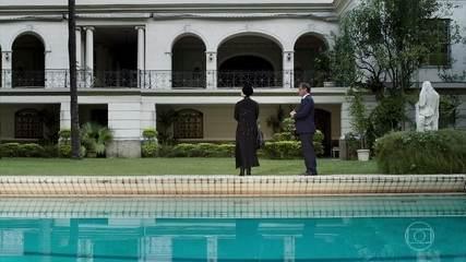 Norberto mostra mansão para Dalila