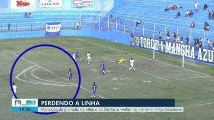 Marcação do gramado do estádio do Goytacaz na Rua do Gás, chamou atenção dos torcedores