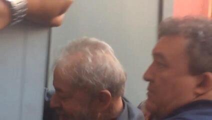 Lula não consegue sair do Sindicato dos Metalúrgicos