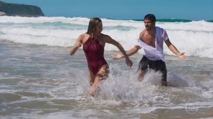Paloma fica brava com Marcos após desentendimento no mar