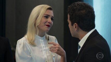 Kim surpreende Márcio com uma festa de casamento