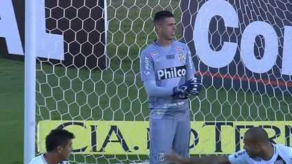 Confira um top 5 com defesas de Ivan, novidade na seleção brasileira