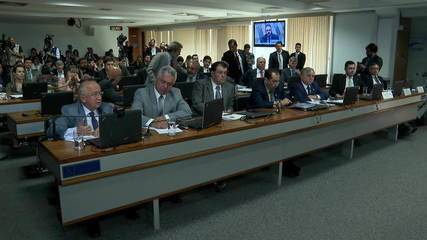 Governadores e senadores debatem proposta de pacto federativo