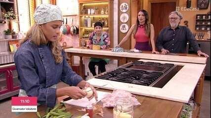 'Minha Mãe Cozinha Melhor que a Sua': Tamires Dias prepara frango com quiabo e angu