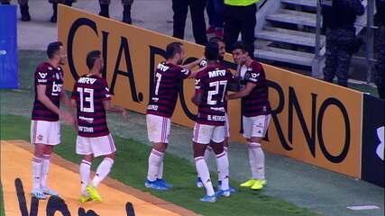 Gol do Flamengo! Arrascaeta dá uma bicicleta e marca um golaço, aos 51' do 2º tempo