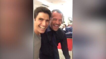 Reynaldo Gianecchini coloca Malvino Salvador para dançar