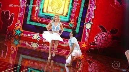 Luisa Sonza dança forró com Léo Santos