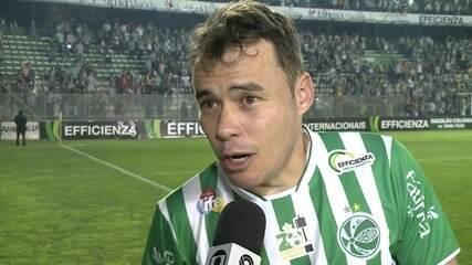 Renato Cajá marca três em vitória do Juventude sobre o Imperatriz