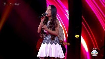 "Pollyana Caires canta ""Pra Me Refazer"""