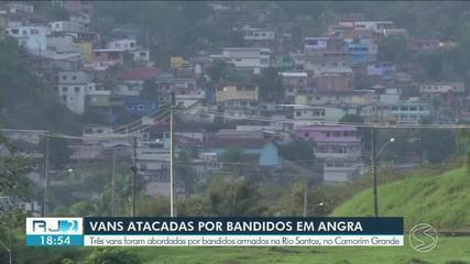 Bandidos armados com fuzis atacam três vans que passavam pela BR-101, em Angra dos Reis