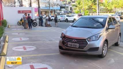 Batida entre carro e moto deixa uma pessoa ferida na manhã desta sexta, em Salvador