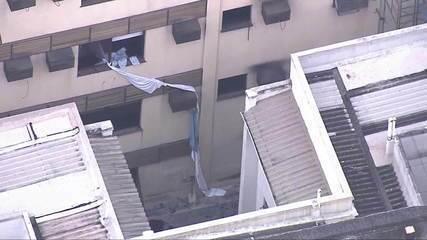 Cuidadora pula de janela para se salvar de incêndio em hospital no Rio