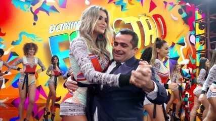 Maradona dança forró no palco do Domingão
