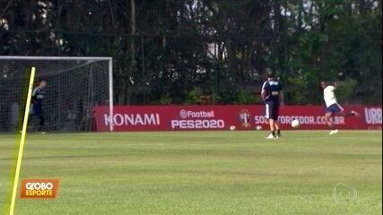 No São Paulo, jogadores erram mais que acertam em treino de finalizações