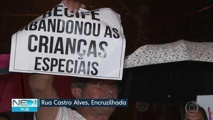 Famílias protestam contra falta de psiquiatras em centros de atendimento psicossocial