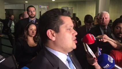 Davi Alcolumbre durante entrevista sobre o fundo eleitoral de 2020