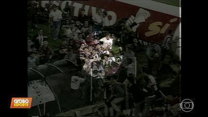 """''Baú do Esporte"""" relembra pancadaria entre Atlético-MG e Lanús na Sul-Americana de 1997"""