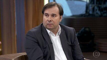 Rodrigo Maia fala sobre a infância e o começo na política